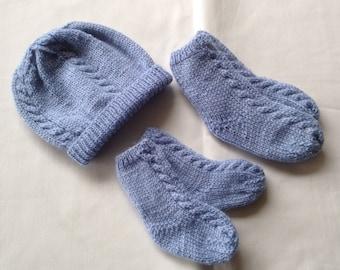 Baby Beanie and Socks - Newborn