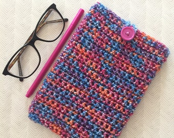 Tablet cosy with button