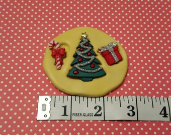 Christmas tree, presents, candy cane silicone mold , gumpaste fondant cake decorating, chocolate, candy, polymer clay