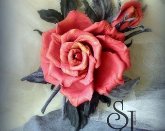 Leather flowers Red rose, red rose corsage, leather gift for her, rose brooch, leather jewelry, leather rose. Valentines Birthday gift. NB