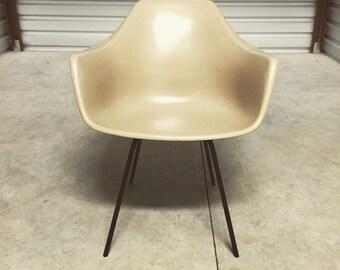 Mid Century Modern Burke Fiberglass Chair Eames Style