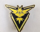 Pokemon Team Instinct Metal Pin GO In Black