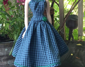 Farm Fatale - a summer dress for Gene, Madra, Violet and friends
