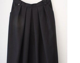 Beautiful Black Midi Skirt Women's Skirt Pleated Skirt Size Medium