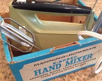 Vintage Manning-Bowman 3 Speed Hand Mixer