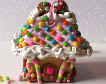 Cookie Crumble Cottage Hanging Gingerbread House