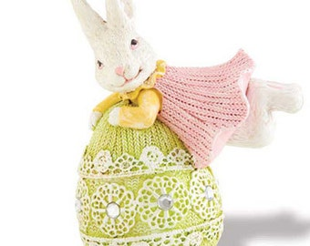 "5"" Flying Bunny on Green Egg"