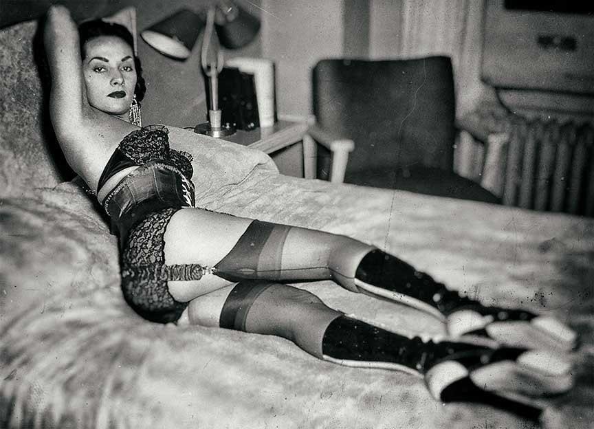 Authentic vintage porn 1950s shaved pussy voyeur fuck 4