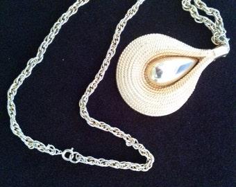 Vintage LISNER Pendant Necklace FREE SHIPPING