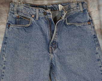 32W x 30L Levis 90s Vintage LEVI'S 505 detailed measurements are listed. Stock No 135