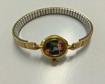 Customizable locket watch