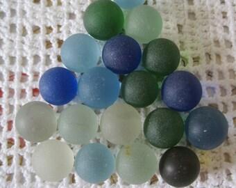 Vintage 19 frosted beads #1 / Vintage 19 crazy balls