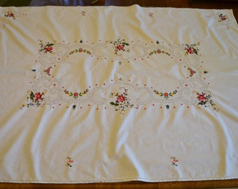 Vintage 40 in. x 58 in. White Cotton Embroidered Tablecloth, Vintage Tablecloth