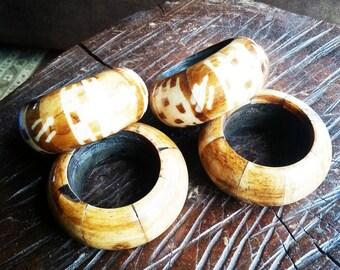 Vintage inlaid wood napkins rings, vintage napkins rings, vintage wooden napkins rings.