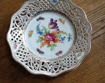 """Vintage 1924 Schumann Bavaria Dresden Flowers Reticulated Plate 8"""" In Very Good Condition with Gilt Details"""