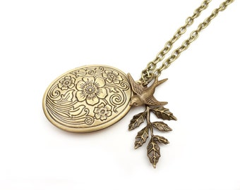 Necklace Medallion Birdy Leaves