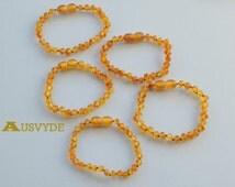 Raw Teething wholesale bracelets. Amber bracelet for babies. Honey Amber beads. Knotted. Raw Amber. 5 units. 15 cm/ 5,9 inch. 4386