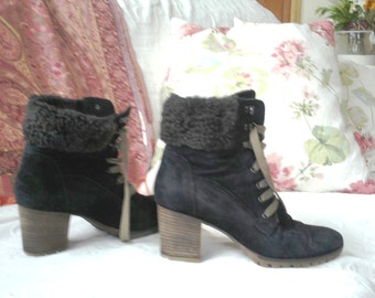 black suede fur-collar ankle boots size 40