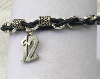 Handmade men's Seahawks #12 NFL Football Silver bead woven Leather Silver Chain Charm Jewelry Bracelet