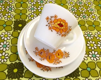 Vintage pyrex sunflowers tea cup saucer cake plate 1970s