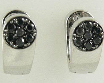 Diamond Earring Black & White Total Weight 0.30ct reversable 14k White Gold