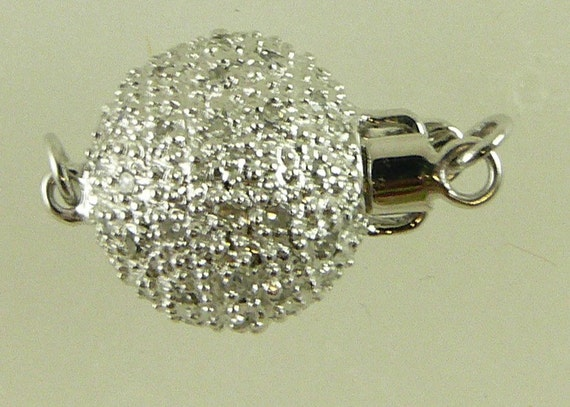 Diamond 0.35 ct Pave 11.1 mm Clasp with 14k White Gold