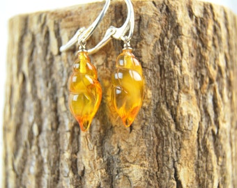 Genuine Baltic Amber Shell Earrings, Yellow Transparent Amber, Shell Figurines, Silver Clasp