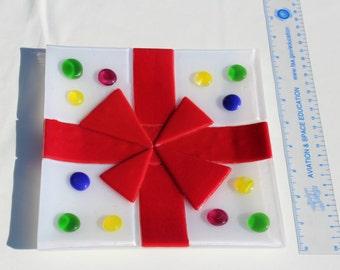Handmade Fused Glass Christmas Present Plate