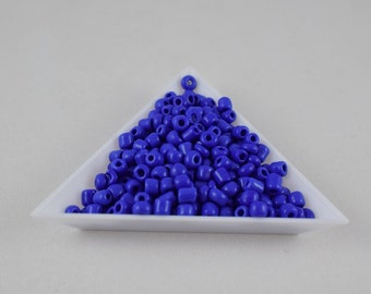 Seed Beads Glass Beads Royal Blue Size 6.0 Sold by 1/4, 1/2, 3/4, 1 LB/ Pound Size 6/0 are 3mm, 4mm Beads