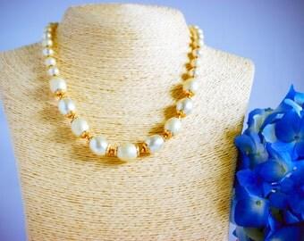 Necklace, vintage necklace, 1950's vintage necklace, cream necklace, wedding,