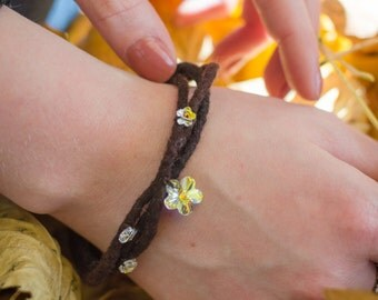 Brown felt bracelet with Swarovski crystal flower/Plait felted wool/Felt jewelry/Idea for gift