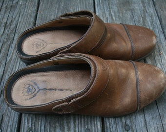 Vintage Brown Tan Leather Ariat Slide on Clogs Mules // Women's Size 8