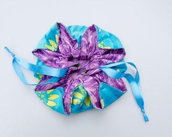 Chrysanthemum Drawstring Bag (Swirled Purple and Cyan Project Bag)
