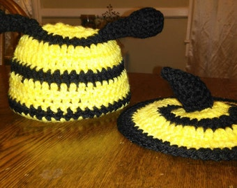 Photo prop bee cap and tushie cover