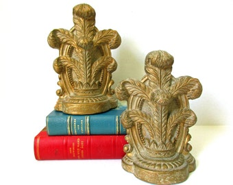 Bookends Syroco Wood, Mid Century Florentine Gold Tone, Office Library Den Bookcase Classical Acanthus Plume Ornate Regency Designer Decor