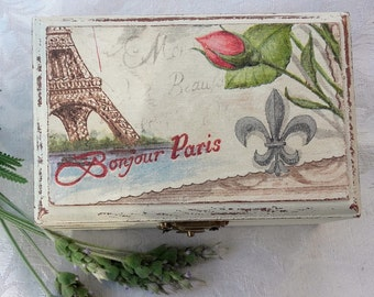Box decorated with decoupage of vintage style.