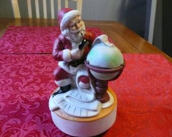 """Christmas, Music Box """"Around The World Musical"""" 1986"""