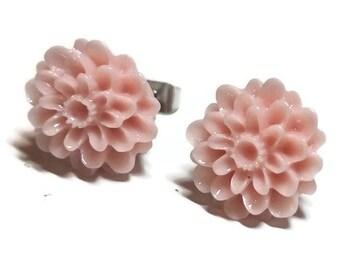Flower Earrings, Pink Flower Earrings, Flower Stud Earrings, Chrysanthemum Post Earrings, Floral Stud Earrings