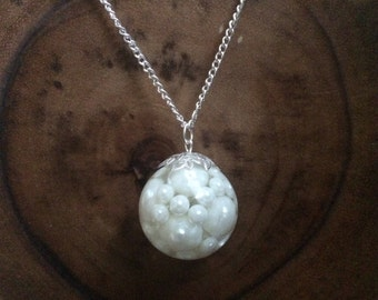 Resin pearl necklace