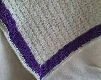 """Bathroom Rug/Mat. Hand crocheted from 100% white and purple cotton. Fully machine washable. Approx 17"""" x 17"""" (44cm x 44cm)"""