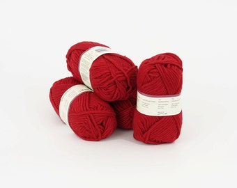 Wool yarn 4 bals, 200gr (7oz) 100% wool, A35. SALE!