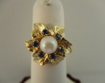 14K Yellow Gold Pearl and Sapphire Flower Ring Size 6