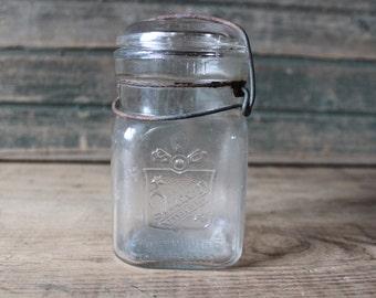Queen trademark pint jar