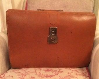 Vintage 1960s briefcase