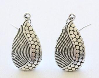Vintage Silver Carving Charm Earrings