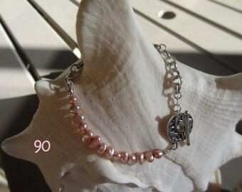 Very pretty pink Keishi freshwater pearl & sterling silver bracelet