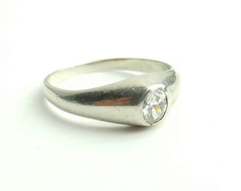 Vintage Sterling Silver Solitaire CZ Ring- Size 8