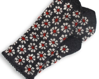 Latvian mittens, wool Mittens, double mittens,  hand knit mittens, patterned mittens, warm wool mittens, Christmas gift mittens, size S
