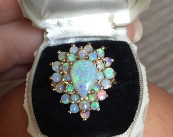 14k Gold and Opal ring. Sz 7