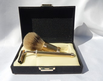 A shaver in gold plated